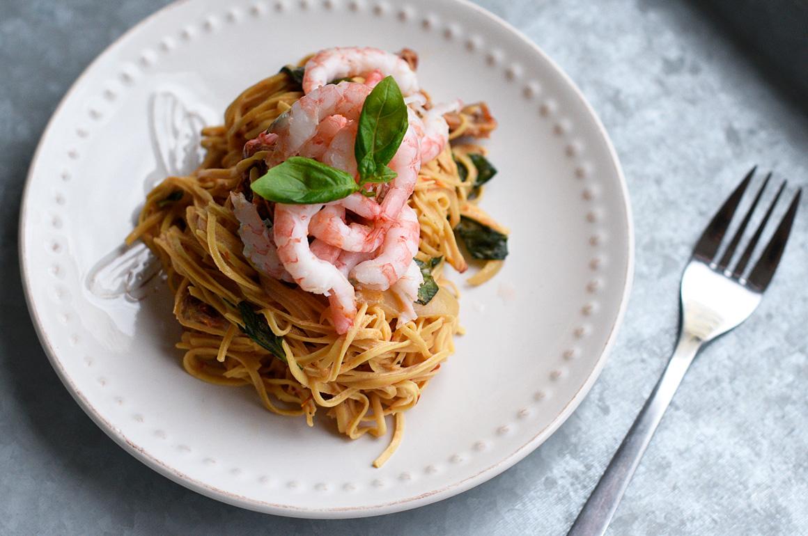 Bönspagetti med heta räkor