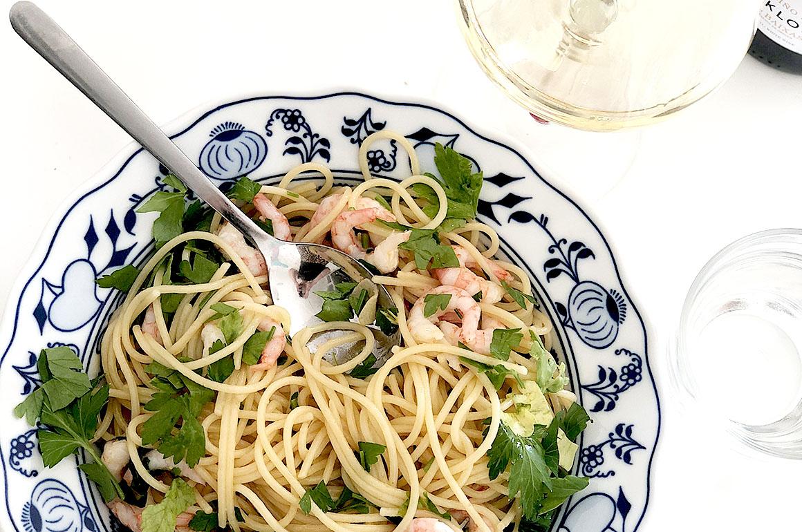 Jonas spaghetti med heta räkor och persilja